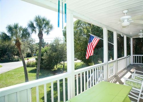 enjoy veterans day with mermaid cottages