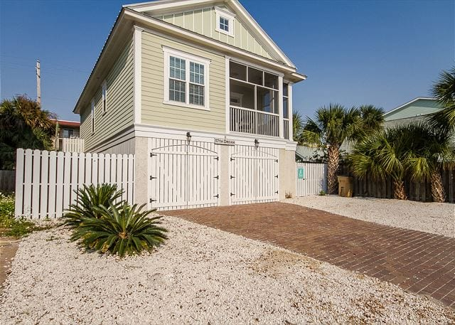 south carolina educators merit new discounts with mermaid cottages